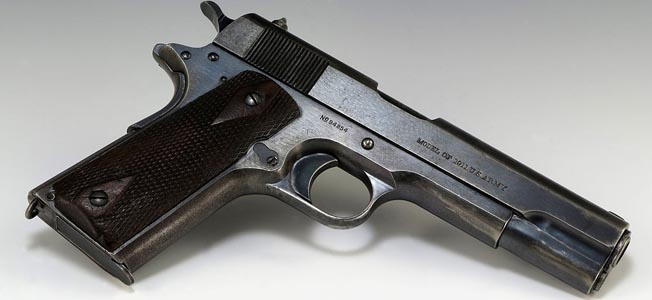 1024px-Pistol_used_by_-Squeaky-_Fromme