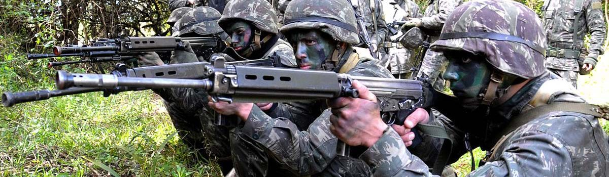 Military Weapons: NATO's FN-FAL Rifle