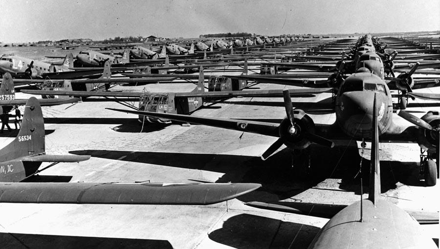 C-47s lined up for Operation Varsity