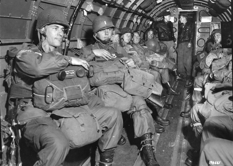 paratroopers inside C-47 during airborne mission