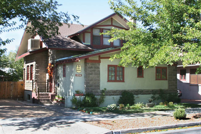 "The ""Spy House"" at 209 High Street, where Harry Gold and David Greenglass exchanged secret information in Albuquerque, is today a bed and breakfast."