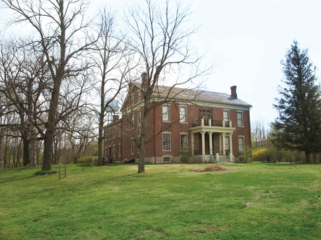 Lexington's Anderson House, used as a Federal field hospital, became the unwitting target of Confederate cannoneers, who claimed that enemy snipers were unsportingly using the building's roof as a vantage point.
