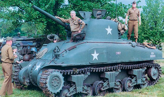 Army-tank-1_11-20-15