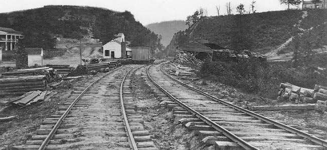 Hood Aims a Dagger at Sherman's Supply Line at the Tiny Georgia Railroad Town Inciting The Battle of Allatoona Pass