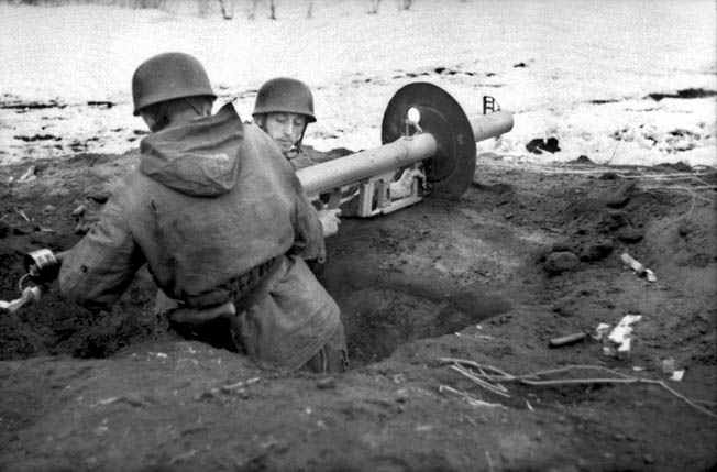 The 2nd Fallschirmjäger Division reinforced the German defenders of Kirovograd in December 1943, and these elite airborne troops proved to be superb foot soldiers during the lengthy battle. These two soldiers are taking up a defensive position with a Raketen-Panzer-Büchse 54, a potent antitank weapon.