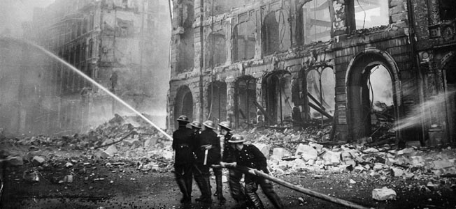 At the end of 1940, heavy German air raids led to the Great London Fire Blitz that nearly destroyed the city.