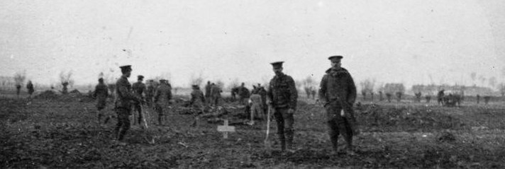 Soldiers on both sides took advantage of the lull in fighting on Christmas day to bury their dead.