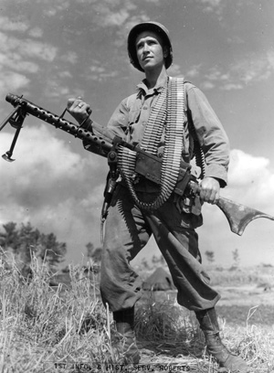 A soldier holds a .30-caliber M1919A6 Browning light machine gun, the same type of weapon Buford was assigned to crew.