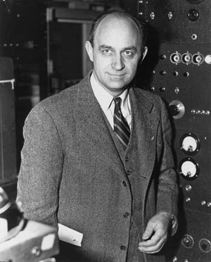 Enrico Fermi patented the idea of a nuclear reactor in 1933. Szilárd advocated demonstrating atomic power, not its use in war, while Fermi later felt guilt.