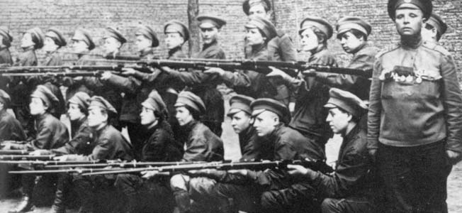 Botchkareva's unit took its position in the trenches of the 525th Kuraig-Daryuinski Regiment near the present Minsk-Vilnius highway. Artillery bombarded the German positions for two days in preparation for the Russian assault in the Battle of Smorgon.
