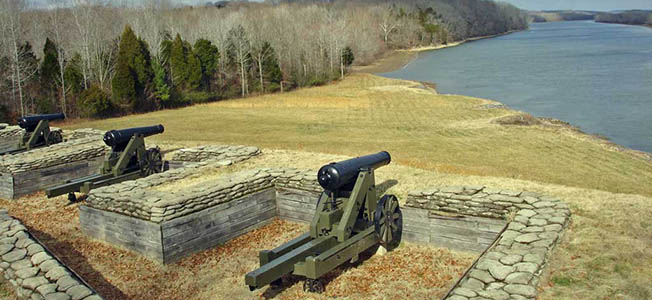 At Fort Donelson National Battlefield, visitors soon learn that it was dissention that led to an unconditional Confederate surrender.