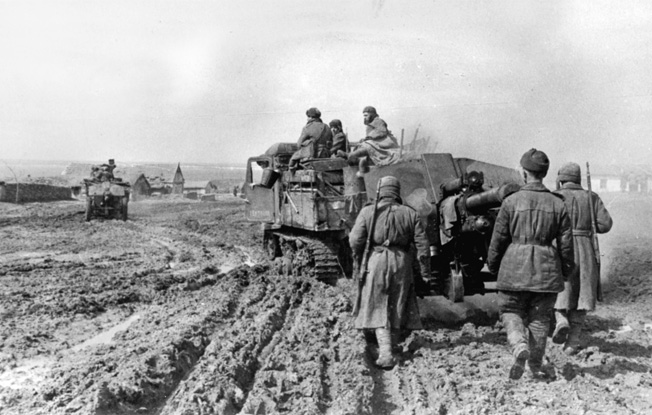 Soviet artillery on the march at the third Ukrainian front in April 1944.