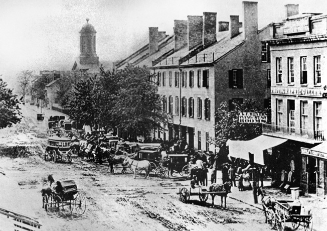 Main Street in Richmond, Ky. Braxton Bragg and Edmund Kirby Smith held a council of war in the Phoenix Hotel in the center of the photo. It did neither of them any good.