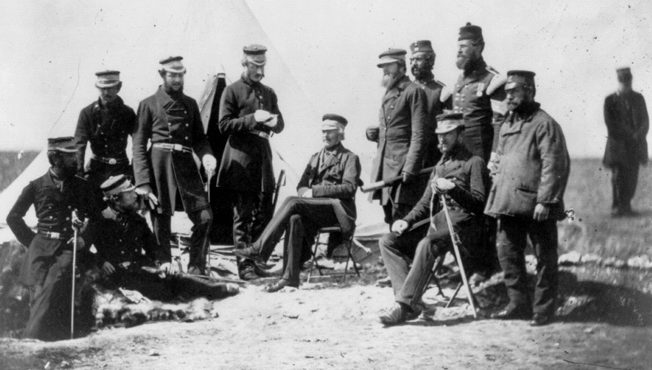 Hard-fighting Brig. Gen. John L. Pennefather (center) commanded 3,000 men of the British 2nd Division during the bloodletting at the Home Ridge.