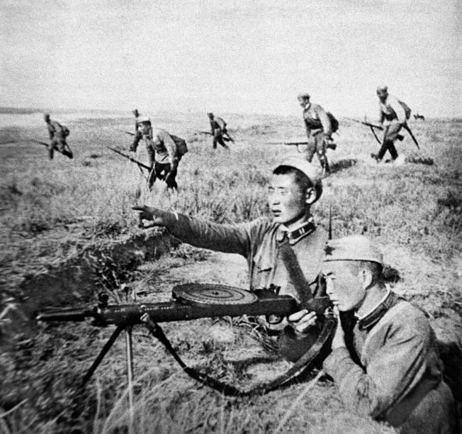 Troops of the Mongolian People's Republic stubbornly resisted Japanese attacks in the early phase of the fighting.