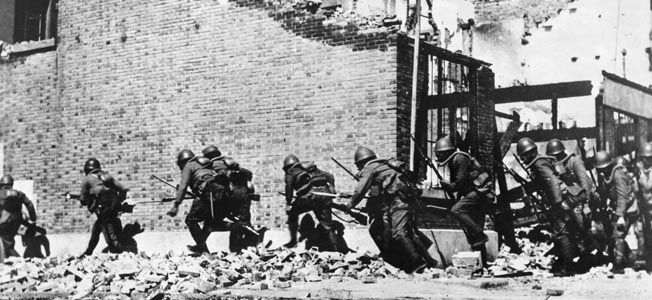 With the world watching from the nearby settlement, a single chinese regiment prepared to face the fury of an entire Japanese Army at Shanghai.