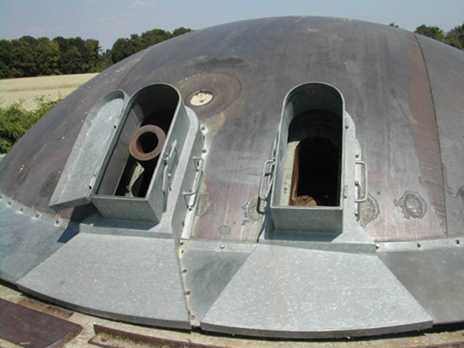 Cupola 120. Note the circular damage caused by a hollow-shape charge over the gun.