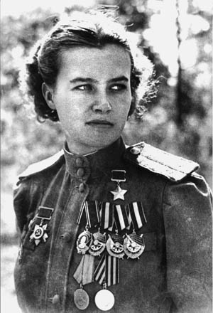 Pilot Nataliya Meklin of the 46th Guards Night Bomber Aviation Regiment and a Hero of the Soviet Union. She flew 980 night bombing missions.