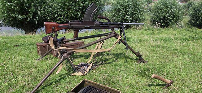 One of the most iconic British WW2 weapons today, the Bren Gun was in short supply in 1939 but quickly became the backbone of the British infantry.