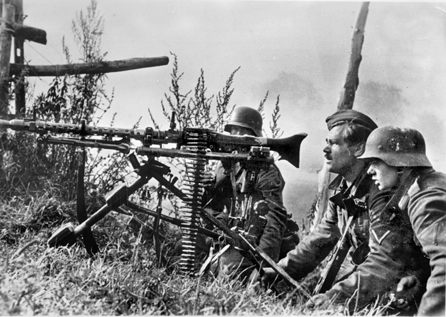 Engler served with an MG-34 machine-gun team like this one, shown in action near Orel, Russia, early 1942.