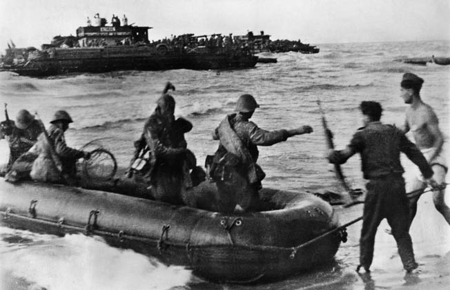 Romanian soldiers take to small boats during an amphibious operation behind Soviet lines near Kerch. The Romanians were heavily engaged in the fighting in the Crimea and sustained serious casualties in the effort to turn the tables on the Red Army.
