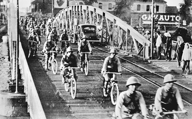 """French Indo-China, Vietnam: Japanese troops entered Saigon, September 15, 1941 ©Roger-Viollet / The Image Works NOTE: The copyright notice must include """"The Image Works"""" DO NOT SHORTEN THE NAME OF THE COMPANY"""