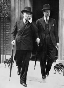 British War Minister Leslie Hore-Belisha (left).