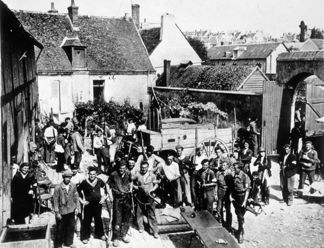 Desc: French Resistance, encampment of the Maquis at a farm, photograph, during the Second World War, 1939-45 • Credit: [ The Art Archive / Kharbine-Tapabor / Collection NB ] • Ref: AA528817