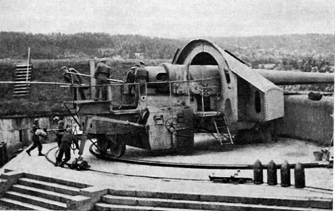 Although its crew was required to service this 280mm cannon in the open, the Norwegians used it and other heavy artillery pieces to devastating effect against the German invaders. This weapon is positioned at Oscarborg Fortress.
