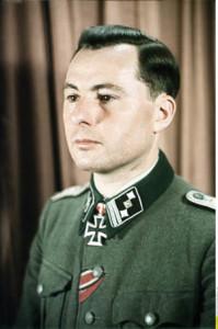 *15.06.1906-31.03.1994+ Politiker, Offizier der Waffen-SS (SS-Standartenf¸hrer), Belgien; Gr¸nder der Rexistenbewegung - als SS-Offizier der SS-Freiwilligen-Division 'Wallonie' - o.J. (ca. 1942/43) Foto: Walter Frentz