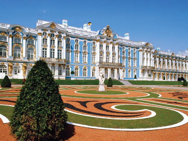 The exterior of the Tsarskoye Selo Palace in Pushkin, Russia, where the original Amber Room  was displayed until looted by the German military.