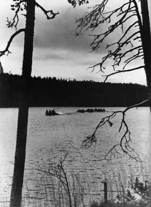 Brandenburg commandos cross a lake behind enemy lines on the Eastern Front.
