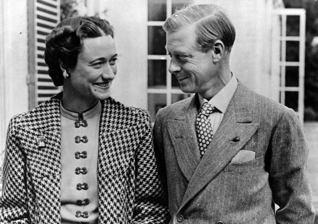 The Duke and Duchess of Windsor gaze happily into one another's eyes following their return to England on September 16, 1939.