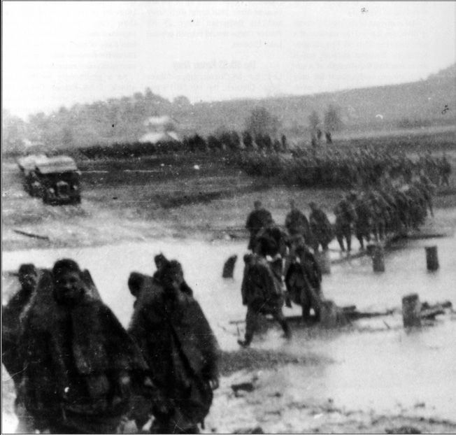 Following the failure of Operation Spring Awakening in March 1945, Waffen SS troops resume their retreat. It had been hoped that the German spring offensive would push the Red Army out of Hungary.