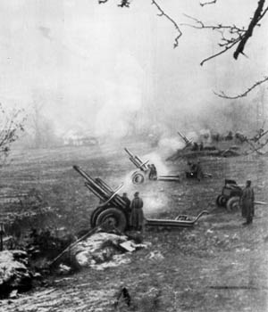 Soviet howitzers in action against Finnish positions, June 1944.