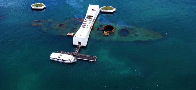 The undisputed gem of Battlefield O'ahu is the USS Arizona Memorial, but there are many other sites worth visiting in the same area.