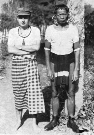 Author Tom Harrisson posed with an indigenous Kelabit tribesman on the Japanese-held island of Borneo in 1944.