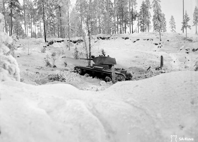 Firing their rifles from the prone position, Finnish ski troops in camouflage uniforms that blend in with the surrounding snow exerted a tactical advantage over their Soviet Red Army counterparts. The Finns were trained to fire with increased accuracy from the relative protection of the prone position, while Soviet ski troops fired standing upright on their skis.