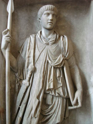 A Praetorian guard wears his gladius on the right side. These elite soldiers typically had hilts sculpted to resemble the head of an eagle.
