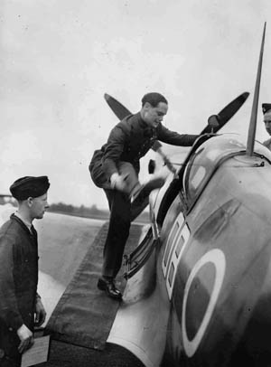 Douglas Bader, who lost both legs in a 1931 crash, was also no fan of Dowding.
